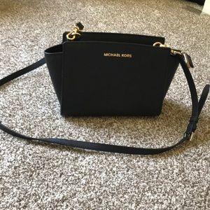 Handbags - Michael Kors Selma Medium Messenger Bag